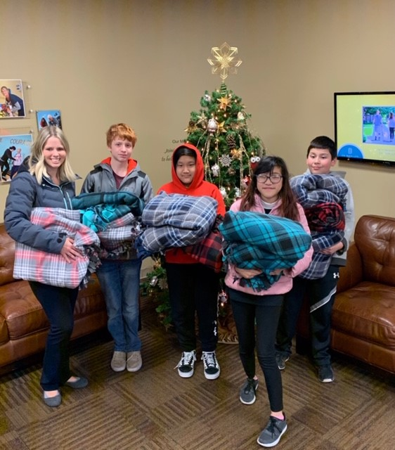 NJHS Delivers Blankets